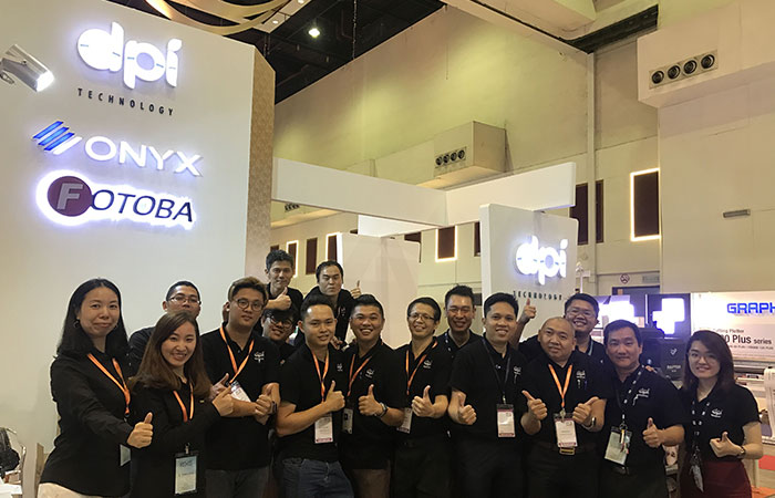 Impresora de cama plana UV digital KINGT KGT-2513 en Malasia
